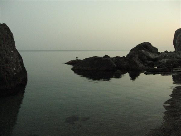 Скалы в бухте