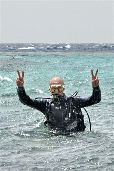на фото: всплыл