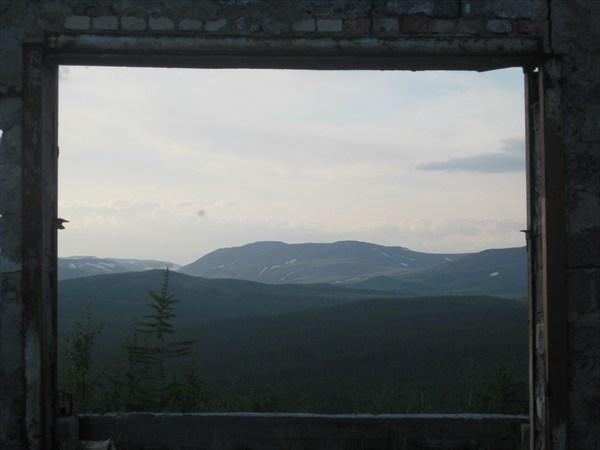 Что у нас по телевизору - горы, опять горы...