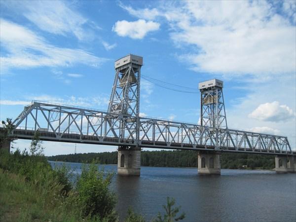 мост через Свирь