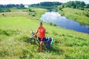 Маргарита на фоне долины реки Мста