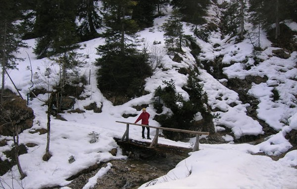 В горах повыше - снег