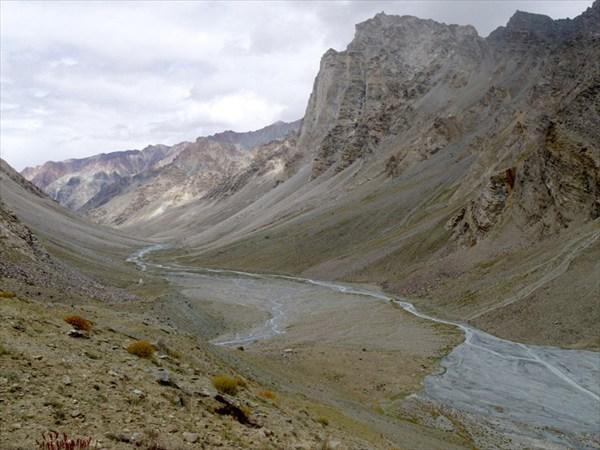 Долина р.Кургияк и гора Гумборанжон
