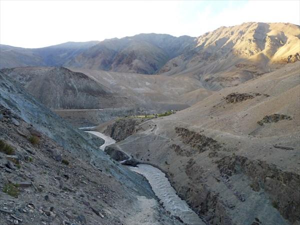 Устье р.Кургияк и выход в долину р. Царап Чу