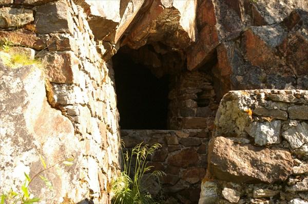 Пещера в Адмирал-горе
