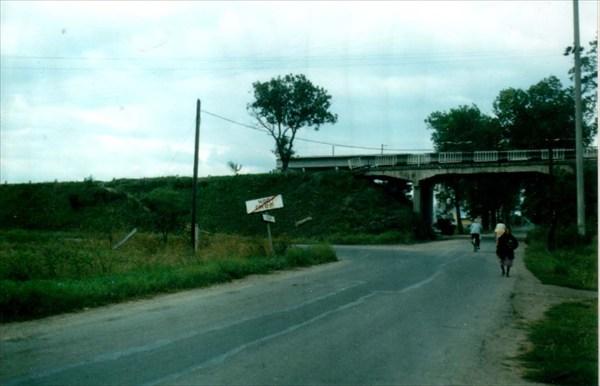 на фото: на окраине городка Чоп