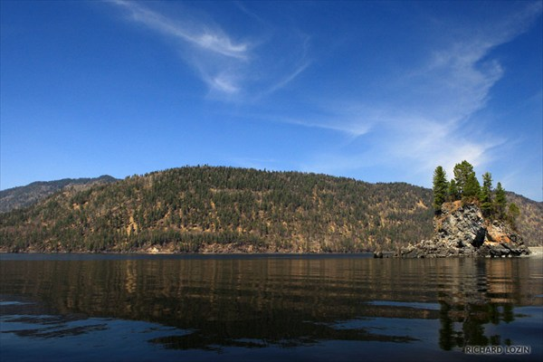 на фото: Телецкое озеро.