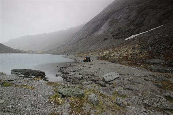 Третье озеро на вершине Умбозерского перевале