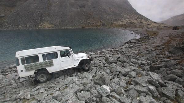 Третье озеро на вершине Умбозерского перевала