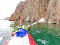 Отвесные скалы. Берег Байкала