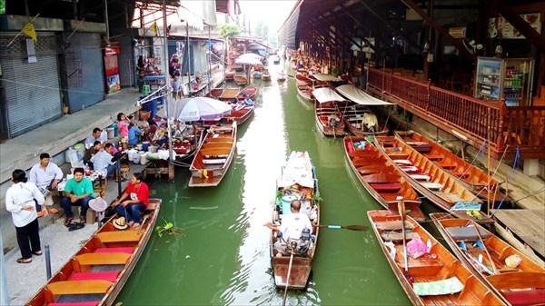 Рынок на воде Дамноен Садуак