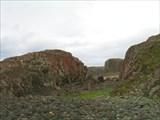 Скалы на побережье в окрестности Д. Зеленцов