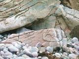 Причудливые узоры на камнях