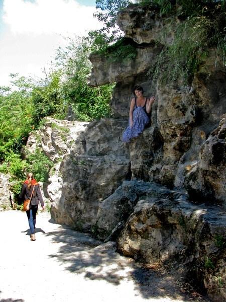 Кто где, а я на скалах ))  Parc des Buttes-Chaumont Июль, 2011