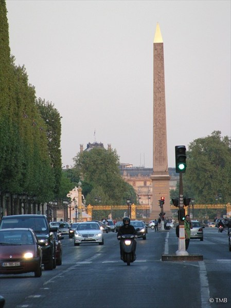 Вид на Площадь Согласия. Апрель, 2011