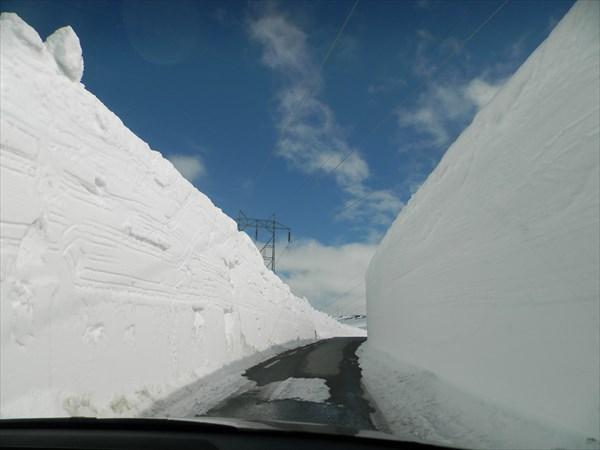 Снега больше 5 мертов