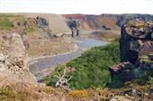 Человек и Ведьма. река Йокульса а Фьёллум