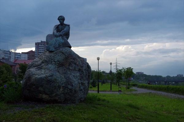 Памятник Лермонтову