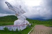 Памятник погибшим при сходе ледника Колка