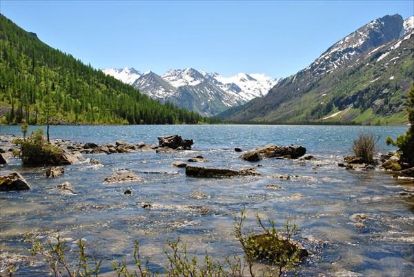 На озере поддень