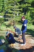 Дима и Кольша чистят рыбу