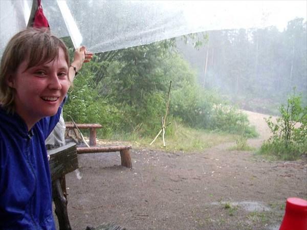 """17 июля 2006г. Река Лух. Стоянка """"Дятел"""", проливной дождь."""