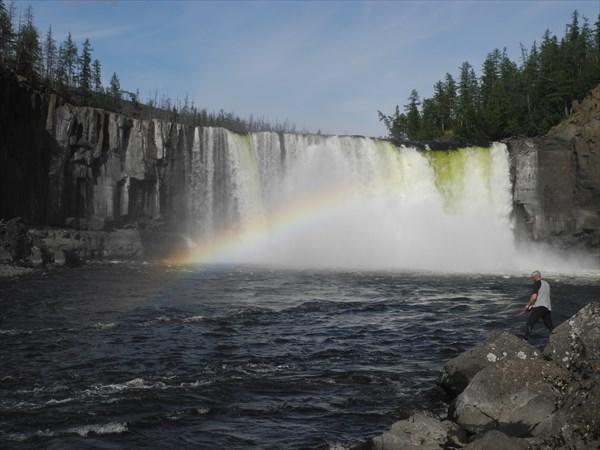 на фото: Водопад Бельдунчана