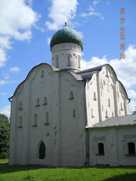Великий Новгород. Церковь Феодора Стратилата на Ручью
