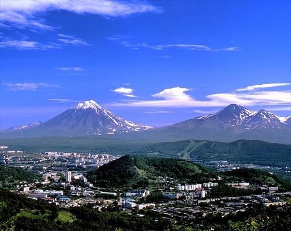 Петропавловск и вулканы: Авачинский и Корякский