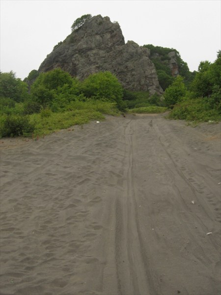 Зыбучий вулканический песок
