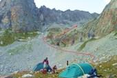 Лагерь на пути подъема к пер.Узловой