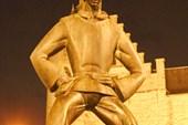 Памятник Длинному Вапперу