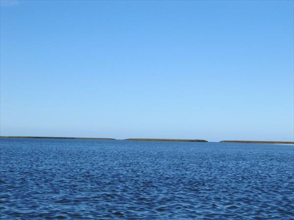 Вид с моря на устье Нгосавэйяхи, залив Торасавэй.