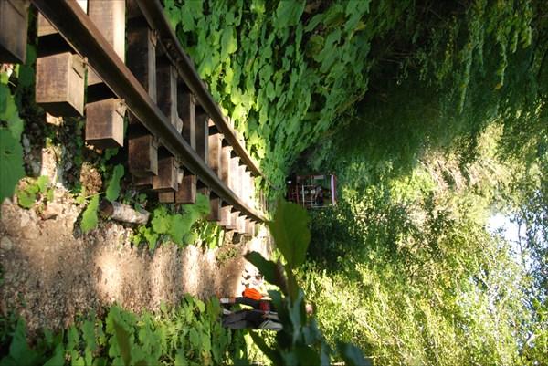 Старая узкоколейная дорога через Гуамское ущелье