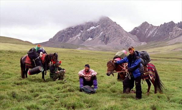 Путь на перевал. Нам помогли выносливые тибетские лошади