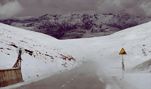 В горах выпал снег. Сентябрь 2003