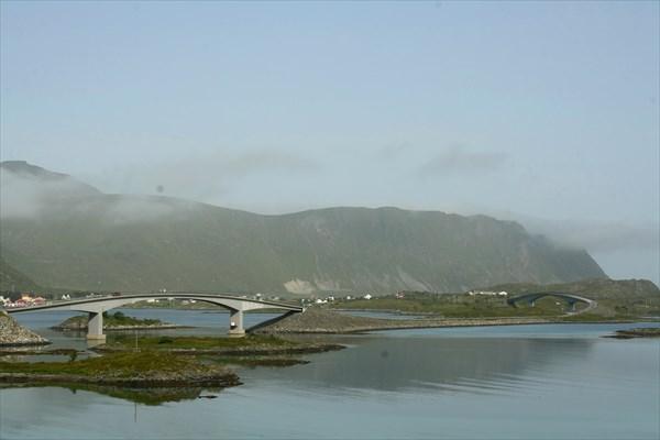 Мосты и дорога на Fredvang утром
