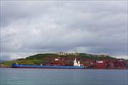 Рудовоз грузится в порту Нарвика