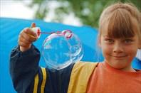 Нюта и мыльные пузыри