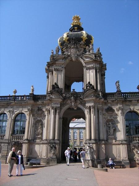 Дрезден. Коронные ворота Цвингера.