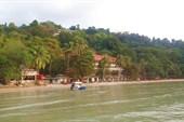 Пляж соседнего отеля