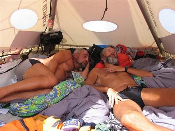 В палатке трахнул статья