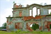 Развалины загородного дома семьи Терещенко