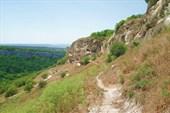 Южный обрыв пещерного города Чуфут-Кале