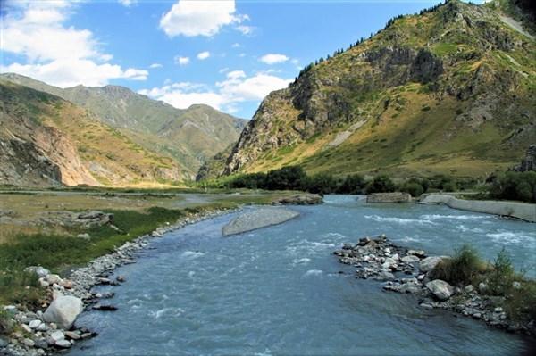 Устье ущелья Коксу и одноимённая река