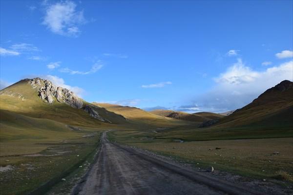Подъём на перевал Джалпакбель