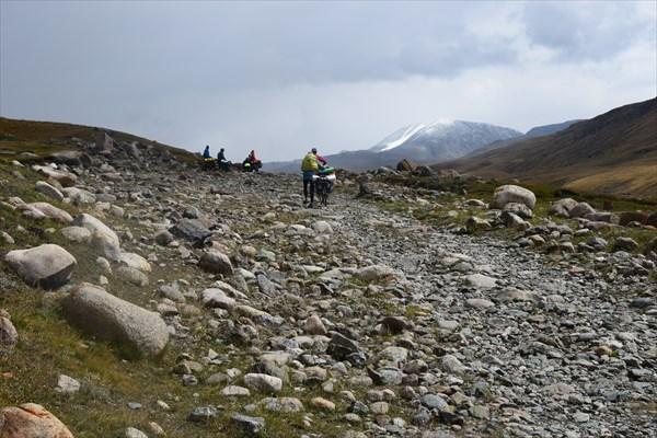 Подъём на перевал Тосор