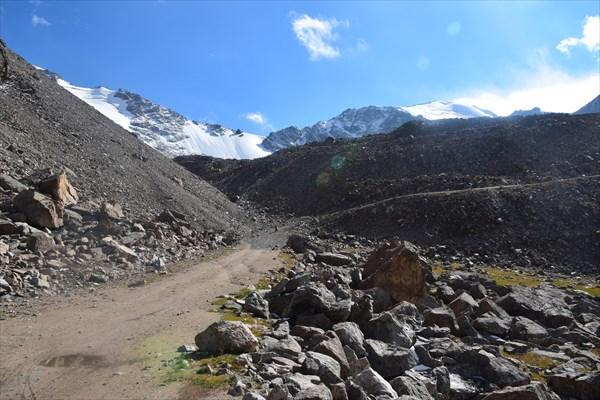 Позади перевал Тосор