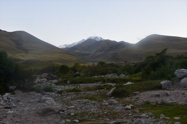 Позади остался перевал Тосор