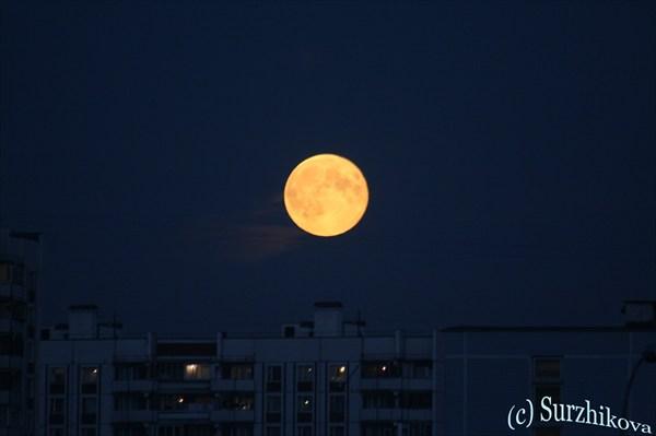 нереальная луна